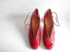 Varnish red shoes by Vandoma on Etsy, €33.00