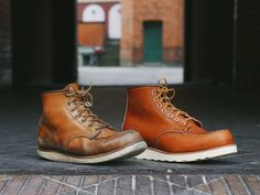 Red Wing Heritage Boots, Red Wing Boots, White Boots, Red Wing 875, Red Wing Moc Toe, Leather Men, Leather Boots, Boots Cuir, Abercrombie Men