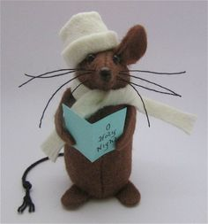 Christmas Mouse Carolling Mouse Felt Mouse by AllThingsMice