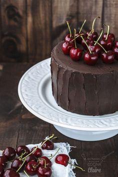 Tarta jugosa de cerezas y chocolate                                                                                                                                                                                 Más