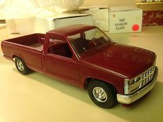 1988 Chevy Silverado Pickup Dealer Promo Model Car IN ORIGINAL BOX - http://hobbies-toys.goshoppins.com/models-kits/1988-chevy-silverado-pickup-dealer-promo-model-car-in-original-box/