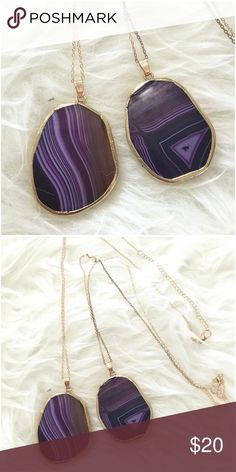 """Violet & Clear Quartz Agate Drop Pendant W/ Chain Quartz Agate tear drop pendant! Lobster claw lock. Price is for 1 piece. LMK w/c one you'll purchase.   Approx measurements: Pendant: 2"""" L x 1.5"""" W Chain: 19"""" + 3"""" extender   Ask ALL questions before buying, sales are final. I try to describe the items I sell as accurately as I can but if I missed something, please LMK FIRST so we can resolve it before you leave < 5rating.   TRADES/OFFLINE TRANSACTIONS  LOWBALLING (Please consider the 20% PM…"""
