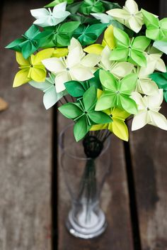 this would be so cute for Steph's bday- Granny Green's origami bouquet