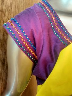 New Saree Blouse Designs, Simple Blouse Designs, Stylish Blouse Design, Dress Neck Designs, Bridal Blouse Designs, Embroidery Blouses, Embroidery Leaf, Embroidery Neck Designs, Hand Work Blouse Design