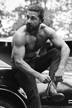 shia-labeouf with a beard... oh my god he magically became 10x hotter