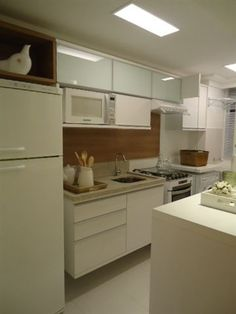 Cozinha empreendimento Up Life Pinheirinho / Up Life Pinheirinho Kitchen Kitchen Dining, Kitchen Decor, Kitchen Cabinets, Sweet Home, Herd, Cuisines Design, Small Space Living, Decorating Small Spaces, Kitchen Interior