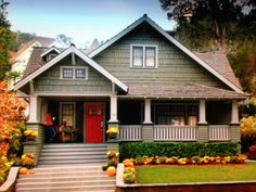 Craftsman Style house from the Home Depot commercial on TV.  Had to take a picture of my TV because I couldn't find the house on the internet.  Love the porch, shake siding, colors, etc.