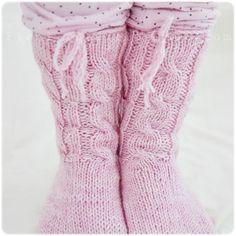 Pieni Lintu: käsityöt - Yummy pink socks!