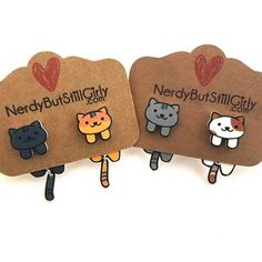 """323 Me gusta, 60 comentarios - Nerdy But Still Girly.com (@wensicreation) en Instagram: """"Kitty Collector Earrings ﹏﹏﹏﹏﹏﹏﹏﹏﹏﹏﹏ Get yours ⇨ NerdyButStillGirly.com ﹏﹏﹏﹏﹏﹏﹏﹏﹏﹏﹏ #kittycollector…"""""""