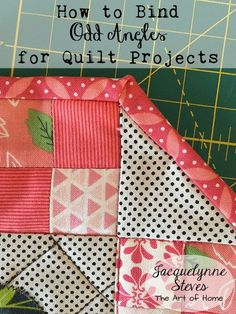 "Standard quilts have corners with 90 degree angles, but sometimes you come across a project with an ""odd"" angle. Today, I am going to show you how to bind a quilt which has 135 degree corners sides Quilting For Beginners, Quilting Tips, Quilting Tutorials, Quilting Projects, Sewing Tutorials, Sewing Tips, Beginner Quilting, Sewing Ideas, Sewing Essentials"