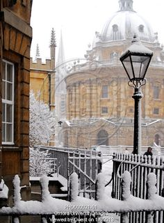 Snowy scenes in Oxford, England Oxford England, London England, Cool Places To Visit, Places To Go, Oxford United Kingdom, Oxford City, Cornwall England, England And Scotland, English Countryside