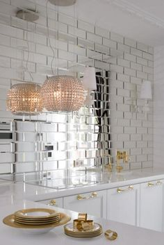 New kitchen backsplash glass tile ceilings Ideas New Kitchen, Kitchen Decor, Kitchen Design, Mirror Tiles, Mirror Bathroom, Mirrored Tile Backsplash, Mirrored Subway Tiles, Kitchen Mirrors, Glass Mirrors