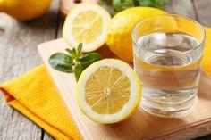 Le citron est très populaire pour son goût, mais aussi pour son odeur. Le simple fait d'en mettre un dans votre chambre pourra vous charmer.
