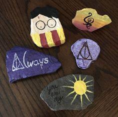 Painted rocks. Harry Potter, hakuna matata