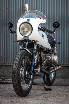 Many radiator service shops can clean and seal an old tank, but it's an expense, and frequently the paint job has to be redone. Bmw Motorcycles For Sale, Vintage Motorcycles, Custom Motorcycles, Custom Bikes, Bmw Cafe Racer, Cafe Racers, Bike Bmw, Bmw Sport, Custom Bmw
