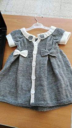Kız Bebeklere Örgü Elbise Modelleri 29