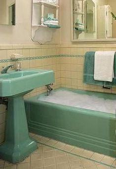 Baue einen Regenrinnenfluss für das Spielen mit fließendem Wasser - New Ideas What was it like bathe in a bathroom? What was it like bathe in a bathroom? 1950s Bathroom, Mid Century Bathroom, Upstairs Bathrooms, Vintage Bathrooms, Rustic Bathrooms, Bathroom Renos, Bathroom Fixtures, Small Bathroom, Bathroom Pink