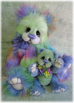 """""""Maui"""" and """"Leilani"""" by Donna Hager of Hager Bears My 2015 Teddy Bear and Friends on Vacation Show piece."""