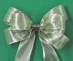 Bow Tutorial. Used this one for my book page wreath!