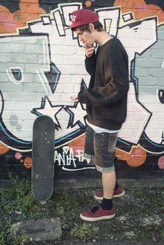 Boys who smoke are hot Skateboard Boy, Boys Who, Zine, Urban Fashion, Handsome, Menswear, Tumblr, Sports, Supreme