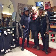 Le nostre Amiche dalla provincia di Varese 🎄❤️🎄 #christmastree #christmas2016 #christmastime #christmasspirit #christmasshopping #christmaslights #confezionimontibeller #orgogliodiessereitaliano #italyintheworld #fashion #styles #model #glam #glamour #outfit #instafashion #tagsforlikes #fashionista #instastyle #fashiongram #beautiful #borgovalsugana #trentino #livelovevalsugana  http://www.confezionimontibeller.it