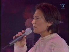Crying ~ KD Lang .... she does my all time favorite version of this song. Her voice & style are just perfect for this song. It suits my mood this morning.