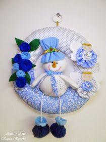 Guirlanda de Natal, em feltro e tecido - Boneco de Neve (azul e branco)