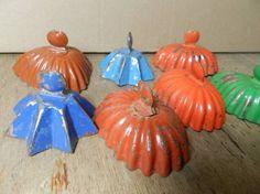 Keď už od mala miluješ hru s pieskom. Pumpkin Carving, Childhood Memories, Old School, Presents, Romania, Poland, Vintage, Keepsakes, Nostalgia