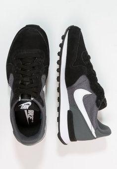 new style 1d503 541c2 Low sneakers   Damer. Røde SkoSøde SkoNike ...