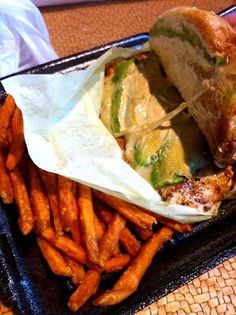 Avocado Chicken Burger with Sweet Potato Fries are yum! - 2件のもぐもぐ -  by Jive Chie