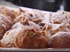Apple Fritters recipe from Ree Drummond via Food Network breakfast brunch Apple Fritter Recipes, Apple Recipes, Donut Recipes, Bread Recipes, Yummy Recipes, Ree Drummond, Just Desserts, Dessert Recipes, Brunch Recipes