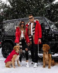 mia mia mine family christmas photos. fashion blogger maria wears a red puffer jacket with burberry scarf and gucci ace sneakers. click through to see matching couple outfits for christmas, burberry outfits for women, burberry outfits for men, mens burberry scarf, matching burberry outfits, and casual christmas outfits. #burberry #couplegoals #christmasphotos #familyphotos Burberry Outfit, Burberry Scarf, Matching Couple Outfits, Matching Couples, Instagram Outfits, Elegantes Outfit Frau, Trajes Kylie Jenner, Outfit Invierno, Spanx Faux Leather Leggings