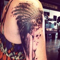 Stunning Shoulder Female Tattoo for Women