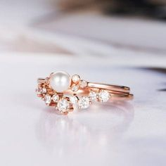 Pearl Engagement Ring Rose Gold Bridal Sets Wedding Ring Diamond Minimalist Three Stone Cluster Ring Promise June Birthstone Akoya Women Engagement Ring Product Introduction *Set in solid 14k Rose Gold Main Stone** *Type:Pearl *Size:4 mm *Color:White Side Stone** *Type:Diamond