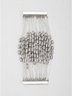 Bracelet By Güess White Beads, Sexy Dresses, Beaded Bracelets, Bling Bling, Accessories, Random, Jewelry, Women, Jewlery