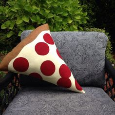 Pizza Pillow , Pepperoni Pizza Plush, Geeky felt stuffed plush toy pillow