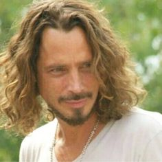 Image may contain: one or more people and closeup Feeling Minnesota, Shadow King, Black Hole Sun, Chris Cornell, Beautiful Pictures, Dreadlocks, Celebrities, Hair Styles, People