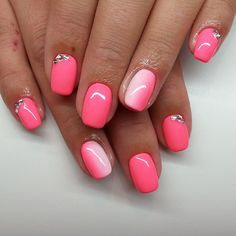 Ombre Nail Art Designs, Nail Art isn't simply your typical nail job. Nail art is associate degree exclusive niche that's gaining quality in late times. Glam Nails, Pink Nails, Beauty Nails, Gorgeous Nails, Pretty Nails, Nail Designer, Bright Nails, Girls Nails, Shellac Nails