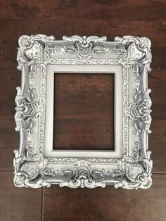 Silver Frames, Old Frames, Frames On Wall, Small Picture Frames, Picture Frame Decor, Picture Frame Chalkboard, Vintage Photo Frames, Shabby Chic Frames, Frame Crafts