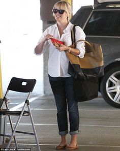 reese witherspoon + two tone bag