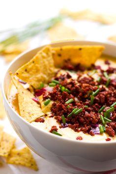 Dip de Queso y Chorizo (Vegano) | http://danzadefogones.com/dip-de-queso-y-chorizo-vegano/