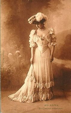 womens fashion - In the Edwardian era - vintage clothing Vintage Photos Women, Vintage Photographs, Vintage Ladies, Victorian Ladies, Vintage Glamour, Vintage Beauty, 1900s Fashion, Edwardian Fashion, Vintage Fashion