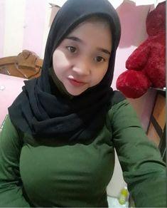 Beautiful Muslim Women, Indonesian Girls, Girl Hijab, Ulzzang, Boobs, Hot, Womens Fashion, Sexy, Model