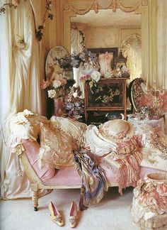 I don't know who painted this, but I want pretty furniture and clothing like in this picture.
