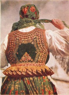Bodice from the village of Bronowice, nowadays a district of Kraków, Poland. Traditional Fashion, Traditional Outfits, Poland Costume, Polish Embroidery, Tribal Fusion, Culture, Folk Costume, Krakow, Fashion History