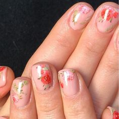 31 Flower Nail Art Designs: Pretty Floral Manicures for 2021 | Glamour Crazy Nail Art, Cool Nail Art, Cool Haircuts, Summer Haircuts, Bob Hairstyles, Fall Nail Trends, Confetti Nails, Tie Dye Nails, Nail Pops