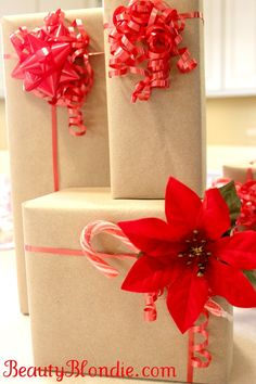 Simple but elegant wrapping - Very awesome video tutorial on wrapping gifts, very inexpensive and simple! Super excited to wrap my gifts, they will look so awesome this year!
