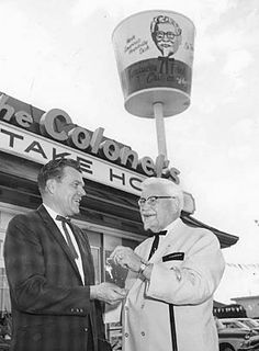 Colonel Sanders created the fast food chain with his fried chicken cooking process. He only tasted success after age Vintage Tin Signs, Vintage Labels, Vintage Ads, School Memories, Childhood Memories, Motivational People, Colonel Sanders, Kentucky Fried, Nostalgic Images