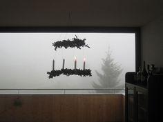 64 besten adventskr nze adventskranz advent deko bilder auf pinterest weihnachten dekoration. Black Bedroom Furniture Sets. Home Design Ideas