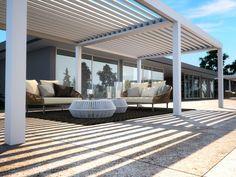 Freistehende Terrassenüberdachung mit schwenkbaren Lamellen VISION by PRATIC F.lli ORIOLI